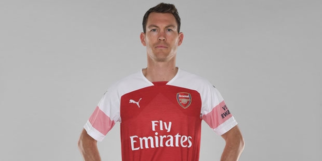 Stephan-Lichtsteiner, Arsenal, Premier League