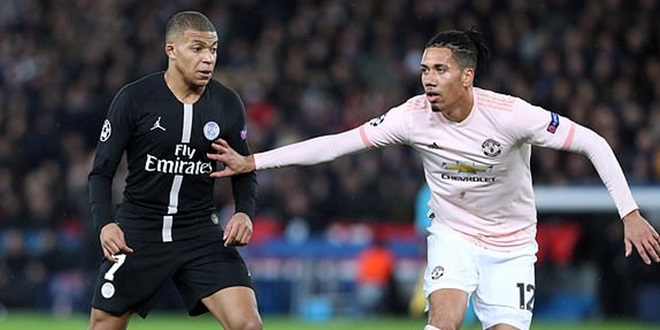Manchester United, Chris Smalling, Paris Saint-Germain