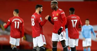 Bruno Fernandes, Paul Pogba, Manchester United